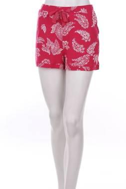 Дамски къс панталон S.Oliver1