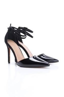Дамски обувки Asos1