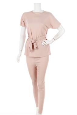 Дамски костюм Boohoo1