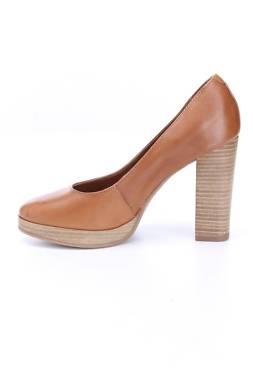 Дамски обувки Bata2