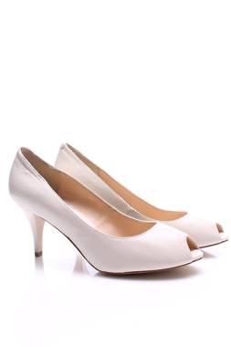 Дамски обувки Bata1