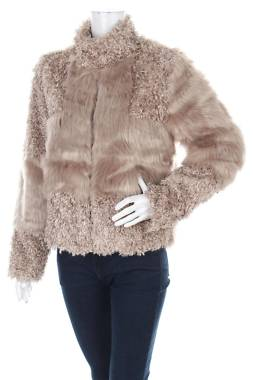 Дамско палто Cream1