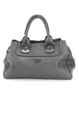 Дамска кожена чанта Guess1