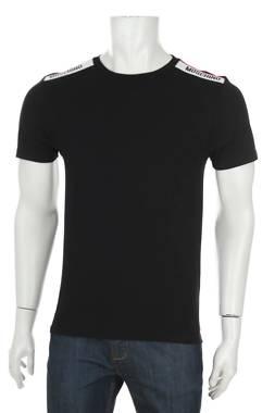 Мъжка тениска Moschino1