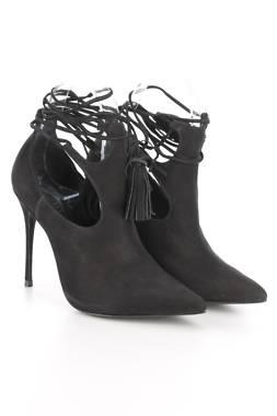 Дамски обувки Schutz1