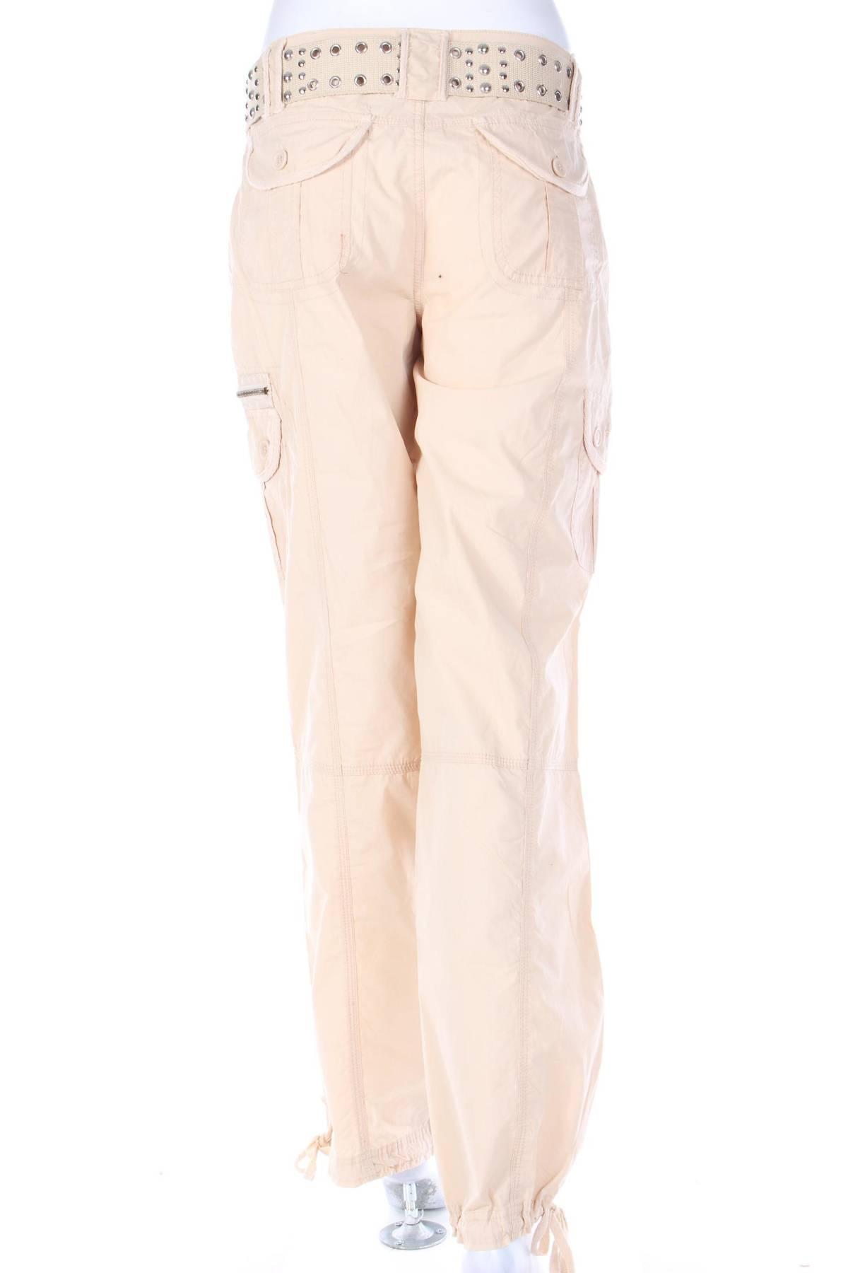 Дамски спортен панталон 1
