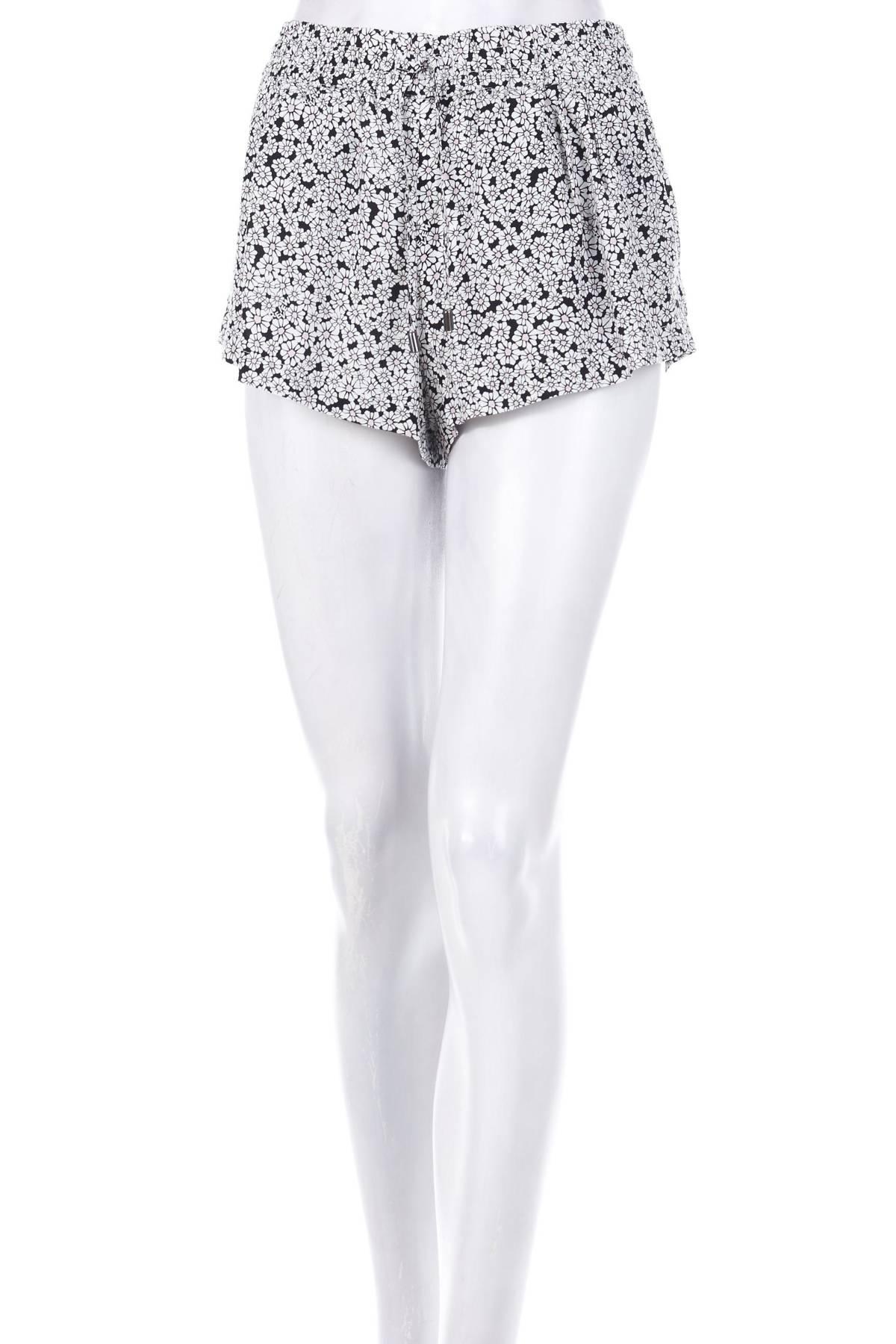 Дамски къс панталон Review1