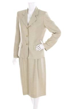 Дамски костюм Le Suit1