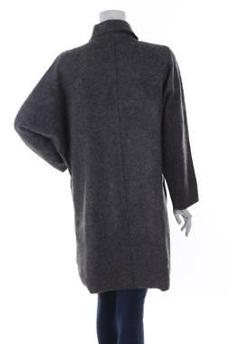 Дамско палто Rinascimento2