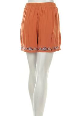 Дамски къс панталон Y.A.S2