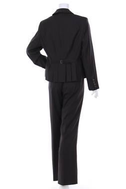 Дамски костюм Dressbarn2