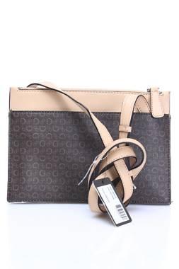 Дамска чанта Guess2