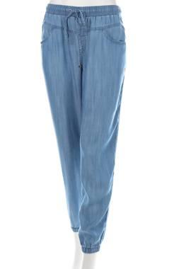 Дамски панталон Esprit1
