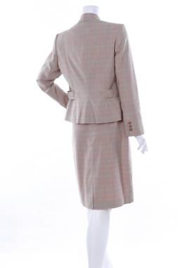 Дамски костюм Worthington2