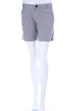Дамски къс панталон Celebrity Pink1