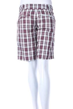 Дамски къс панталон O'Neill2