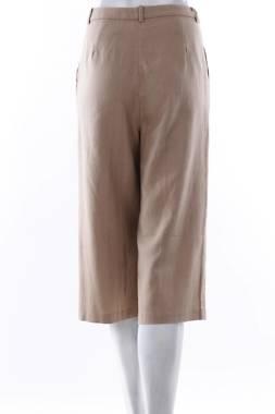 Дамски къс панталон Suite Blanco2