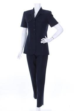 Дамски костюм Kasper2