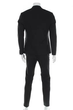 Мъжки костюм Isaac Dewhirst2