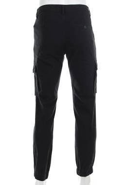 Мъжки спортен панталон Pier One2