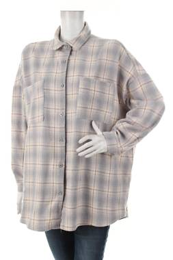 Дамска риза Boohoo1