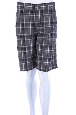 Дамски къс панталон Calvin Klein Jeans1