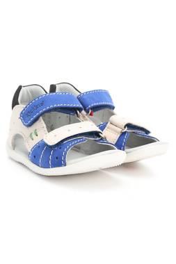 Детски сандали Kickers1