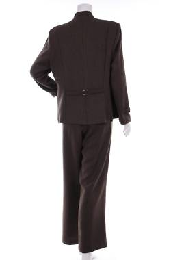 Дамски костюм Perceptions1