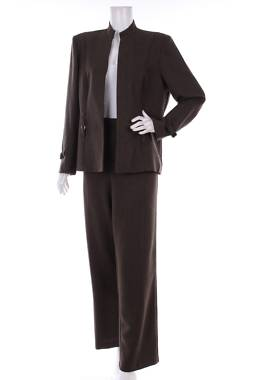 Дамски костюм Perceptions2