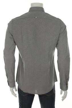 Мъжка риза Gaudi2