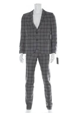 Мъжки костюм Drykorn1