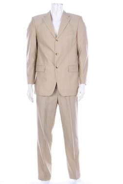 Мъжки костюм Pierre Cardin1