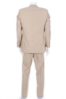 Мъжки костюм Pierre Cardin2