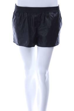 Дамски къс кожен панталон H&M Divided1