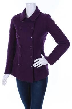 Дамско палто Guess1
